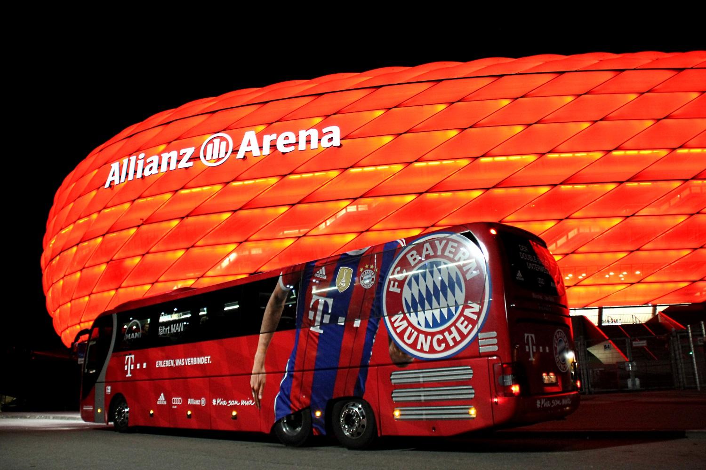 1 STADIUM TOURS -EVENTS München Allianz Arena Mannschaftsbus